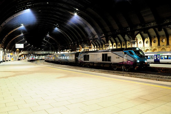 68020 stands at York, 19:54 Liverpool / Scarborough. Thurs 05.03.20
