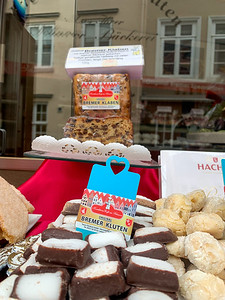 A shop in the Schnoor neighborhood of Bremen, selling local specialty Bremer Klaben.