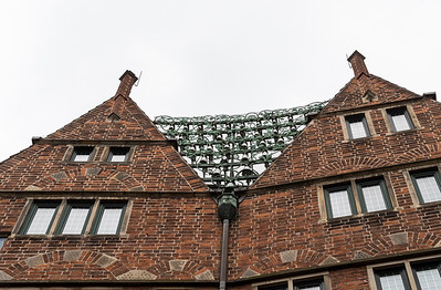The carillion on Böttcherstrasse in Bremen - unusual due to its ceramic bells.