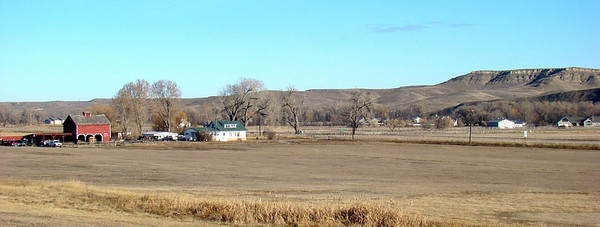 November 29, 2009, 9:32 AM: Not far from the previous photo, this house and barn presented a pastoral scene that begged to be captured.