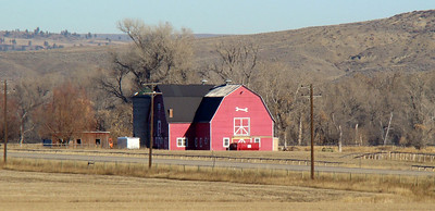 November 29, 2009, 9:35 AM: Leaving Sheridan, WY I spot a couple of attractive barns north of I-90, so onto the shoulder for a few shots with the cameras.