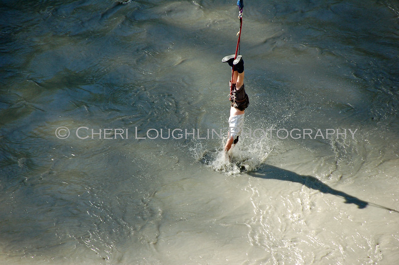 CWC 2010 Bungie Jumping Water Touch