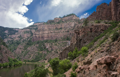 Glenwood Canyon - Gorgeous Drive Through the Canyon