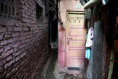 Dharavi alley.
