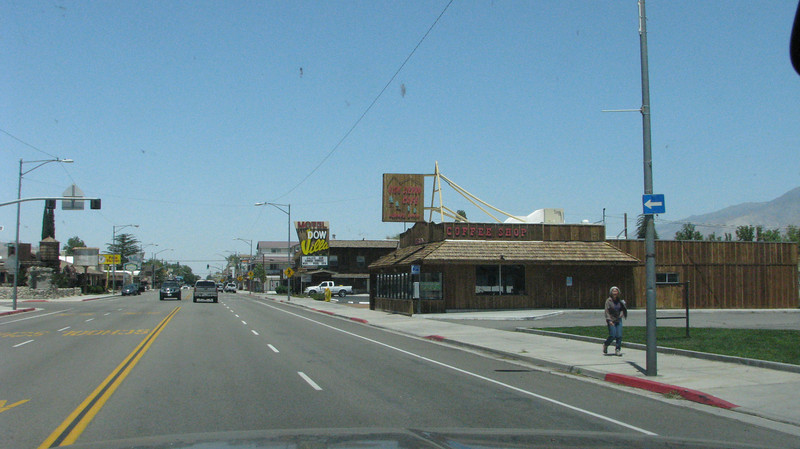 Entering Lone Pine,Ca., Hiway395 run right through it.