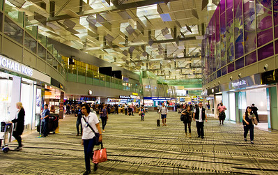 Singapore's Changi Aeroport is huge and elegant.