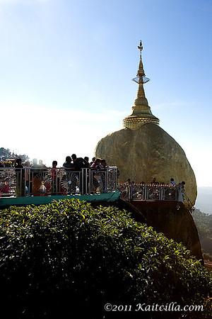 Kyaik Htee Yoe - Golden Rock Pagoda