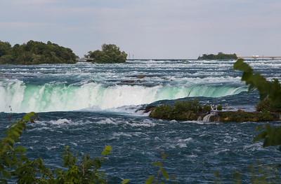 We reach the Canadian side of Horseshoe Falls. We first see flow over the rim at the base of the horseshoe.