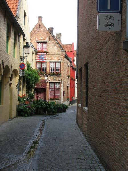 This old street is so inviting.