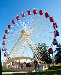 "We come upon the Fremantle ""Skyview"" Ferris Wheel, and decide to ride it."