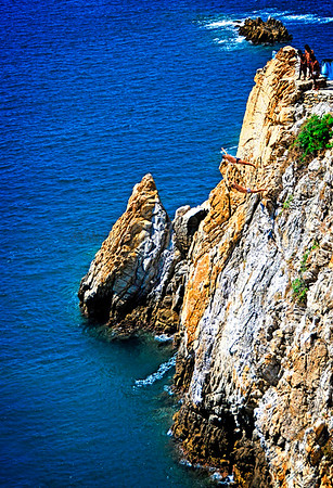 ACAPULCO,TWO CLIFF DIVERS