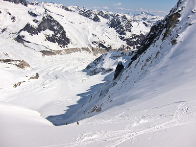 Skiing a couloir off the Pika Glacier