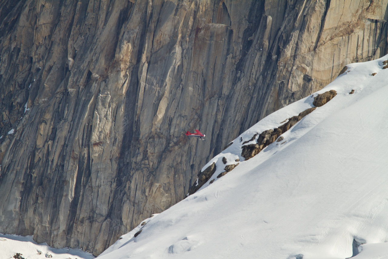 A plane for scale in the Ruth Gorge