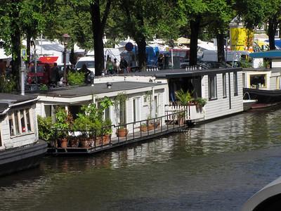 27-Houseboats