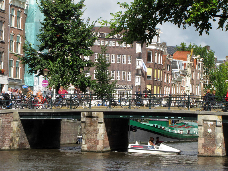 45-Leliegracht bridge over Prinsengracht