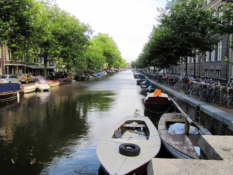 05-Prinsengracht (Princes Ditch). Boats and bikes; boats and bikes.