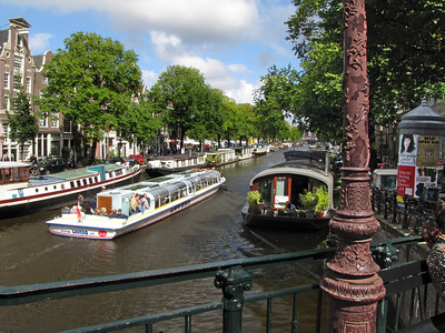 26-Canal and houseboats