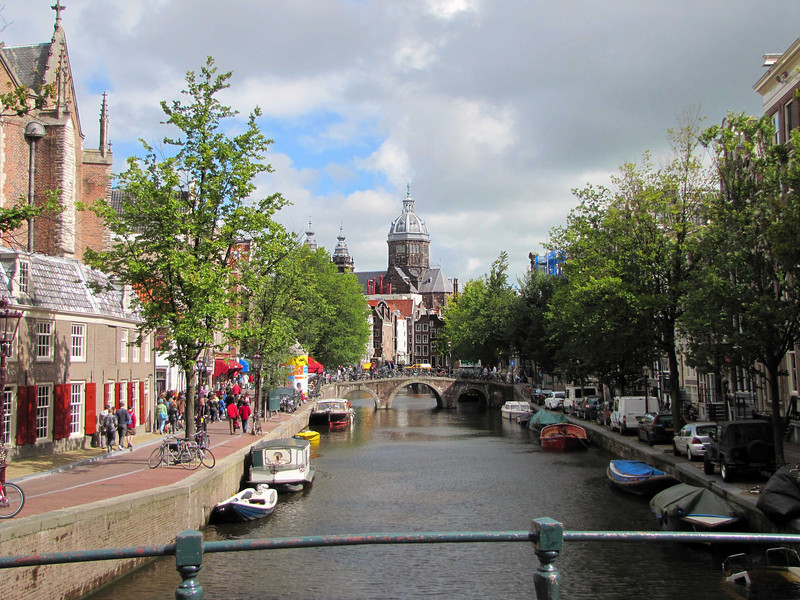 22-St Nicholas' Church (St Nicholaaskerk, 1887) from Old Church Bridge (Oudekerksbrug)