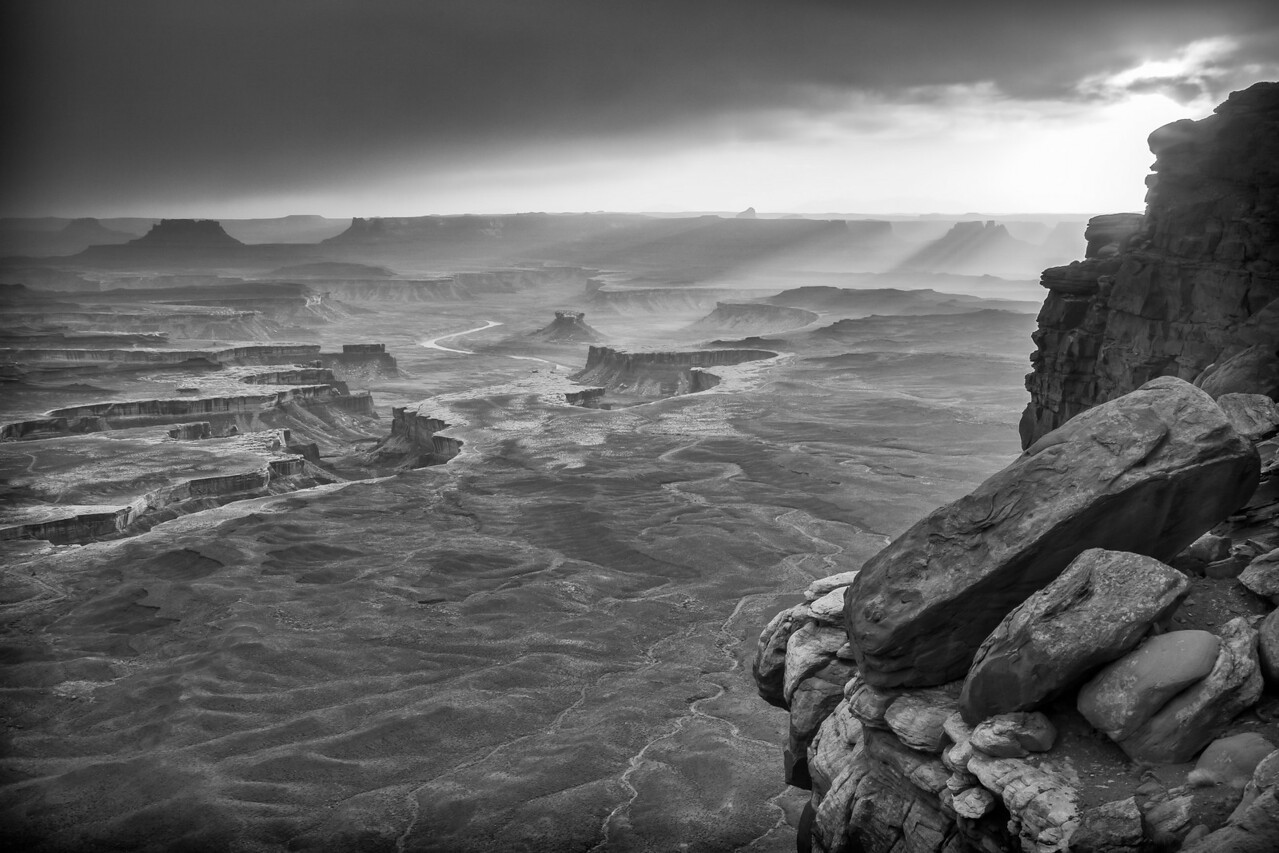 APPROACHING STORM AT GREEN RIVER OVERLOOK-CANYONLANDS N.P.