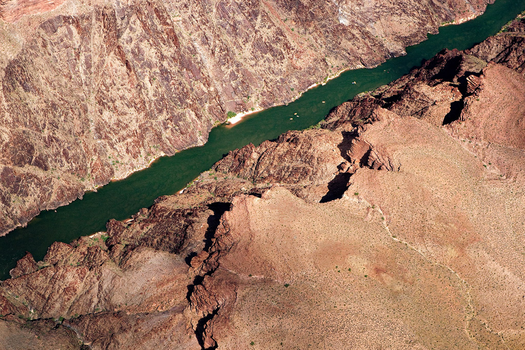 RAFTS AND KAYAKS ON THE COLORADO RIVER