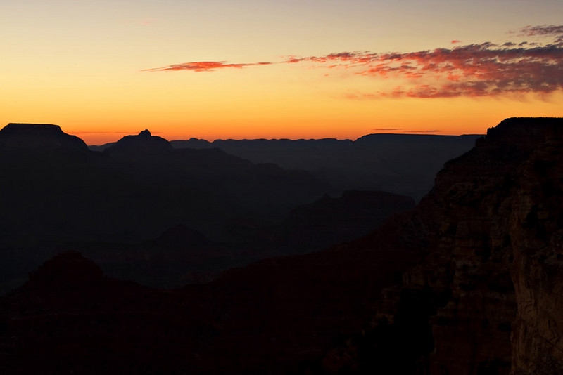 DAWN AT YAVAPAI POINT
