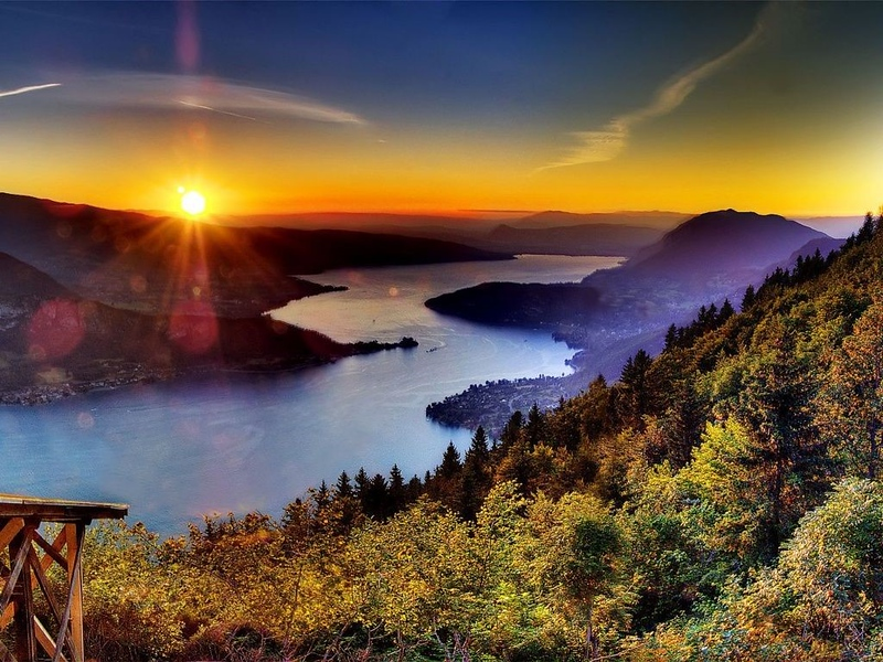 beautiful sunsets Annecy Lake French Alps