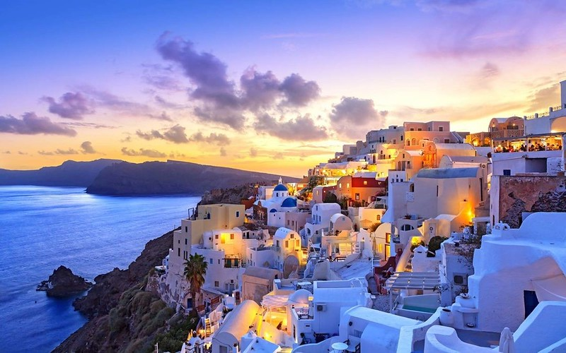 Top Destinations with beautiful sunsets Santorini Greece