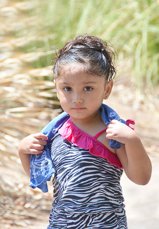 Mexican girl PHX zoo 8034