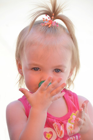 Irie girl at zoo 0512 8258