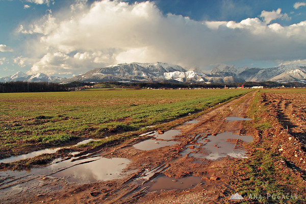 I return to the same spot near Kamnik with views of the Kamnik Alps many times. This photo was taken in March...