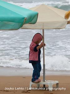 Play Under Umbrellas