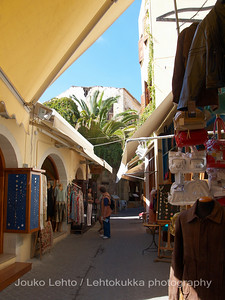 Narrow streets, Tourist shops