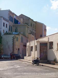 Amphitriti Hotel, Sheets and a Motorbike