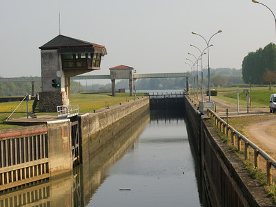 On the Saone from Tournus to Chalon-sur-Saone; a country lock