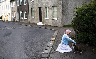 Mikkel Aaland older daughter on her way to Eldsmidjan (pizza place).