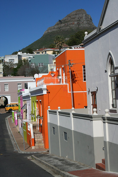 Capetown suburbs with Table Mountain in the background
