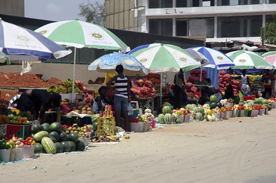 Fruitstand in Luanda Sul
