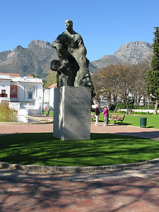 IMG_0691 Statue in Tribute to Field Marshal Jan Christian Smuts