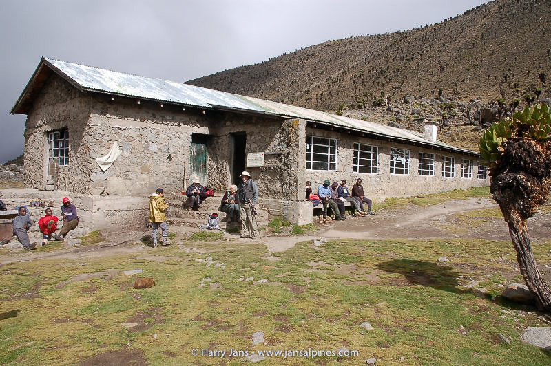 Teleki Lodge 4200m (Mackinders Camp)