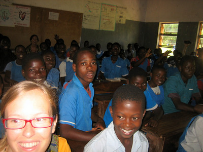 We sat in on an English lesson at the school - each class has approximately 100 students!