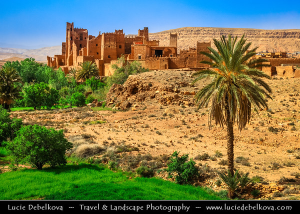 Northern Africa - Kingdom of Morocco - Souss-Massa-Drâa - Ounila valley - La vallée de l'Assif (oued) Ounila - Valley of Ancient Kasbah's & Ksars - Former caravan route from Sahara over Atlas Mountains to Marrakech - Tamdaght kasbah - Crumbling Glaoui fortification