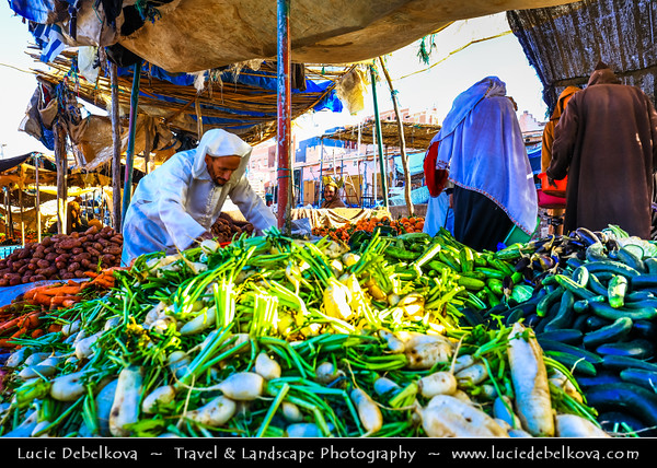 Africa - Morocco - Souss-Massa Region - Chtouka Aït Baha Province - Ait Baha - Town with red houses in Anti Atlas area - Traditional market with fruits and vegetables
