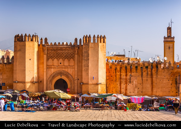 Africa - Morocco - Fes - Fez - UNESCO World Heritage Site - Imperial Historic City founded in 9th century - Home to the oldest university in the world - Old Medina with madrasas, fondouks, palaces, residences, mosques & fountains - Medieval city gate Bab el Mahrouk