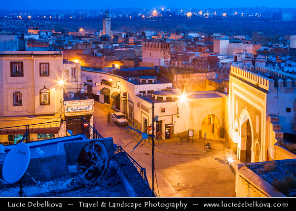 Africa - Morocco - Fes - Fez - UNESCO World Heritage Site - Imperial Historic City founded in 9th century - Home to the oldest university in the world - Old Medina with madrasas, fondouks, palaces, residences, mosques & fountains - Medieval city gate Bab Bou Jeloud - The Blue Gate of Fez
