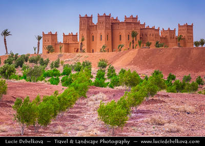 Africa - Morocco - Ksar - Kasbah - Fortified mudbrick city along the former caravan route between the Sahara and Marrakech
