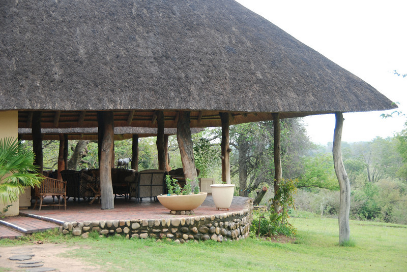 Outdoor Patio, Inyati Game Reserve