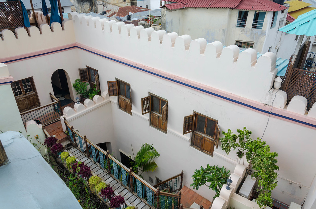 Emerson & Green Hotel Courtyard
