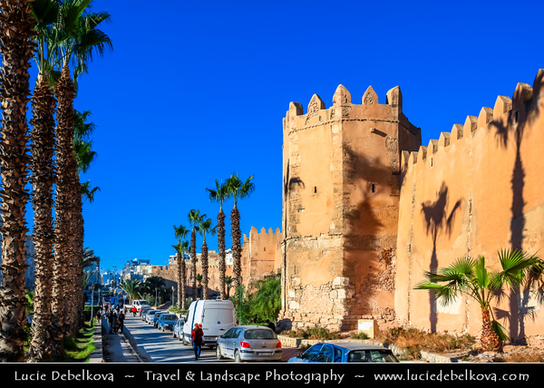 Northern Africa - Tunisia - Sfax - صفاقس - Ṣafāqis - Historical Medina - Old Town surrounded by ancient crenulated walls along Avenue Ali Belhouane and Bab Diwan gate