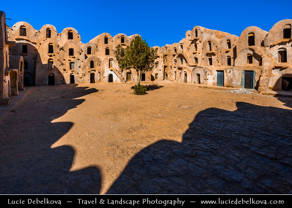 Northern Africa - Tunisia - Tataouine district - Ksar Ezzahra - Fortified multi-story vaulted granary cellars - ghorfas