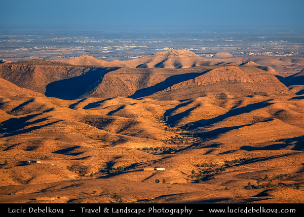 Northern Africa - Tunisia - Medenine Governorate - Toujane - توجان - Dramatic landscape in rugged mountain valley